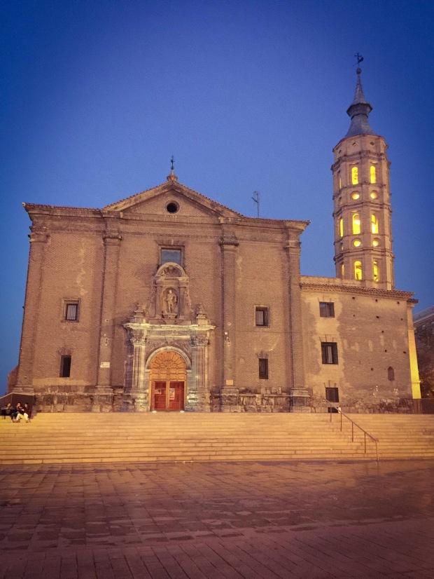 Iglesias de San Juan de los Panetes in Zaragoza, Saragozza, Aragona Spagna. Plaza del Pilar.
