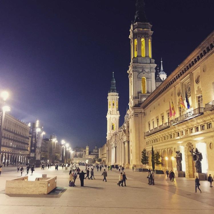 Plaza del Pilar a Zaragoza, Saragozza Aragona, Spagna.