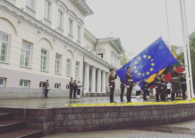 Cambio delle bandiere Vilnius, Lituania, Lithuania, Lietuva