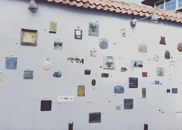 Muro artistico Literatu street, Vilnius, Lituania, Lithuania.