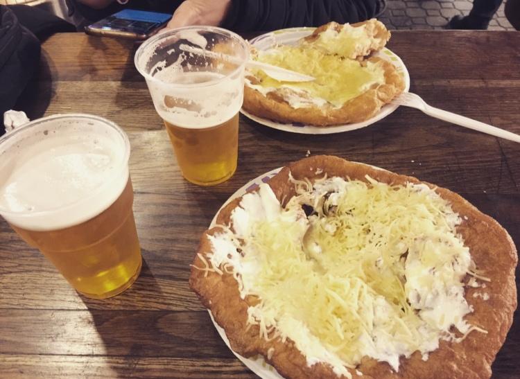Ungheria, Budapest, street food, làngos.