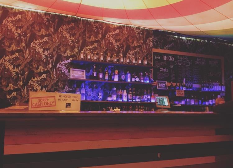 Instant e Fogas, ruin bar, Budapest, Ungheria.