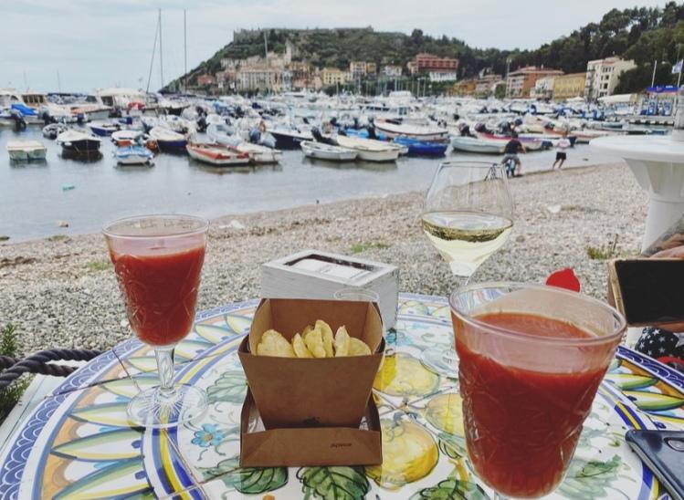 Toscana, Maremma, Porto Ercole, aperitivo.