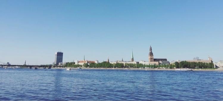 Lettonia, Riga dal fiume Daugava.